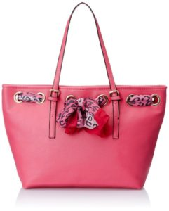 Femme Fatale Women's Shoulder Bag (Pink)
